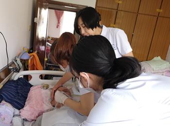 中山区医疗集团巡诊医疗队正式开展入户服务