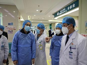 我校党委书记王晋良、校长孟长功来院检查指导疫情防控工作